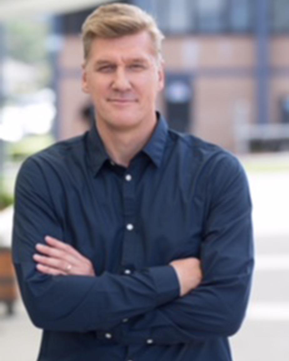 Pastor Paul Bartlett